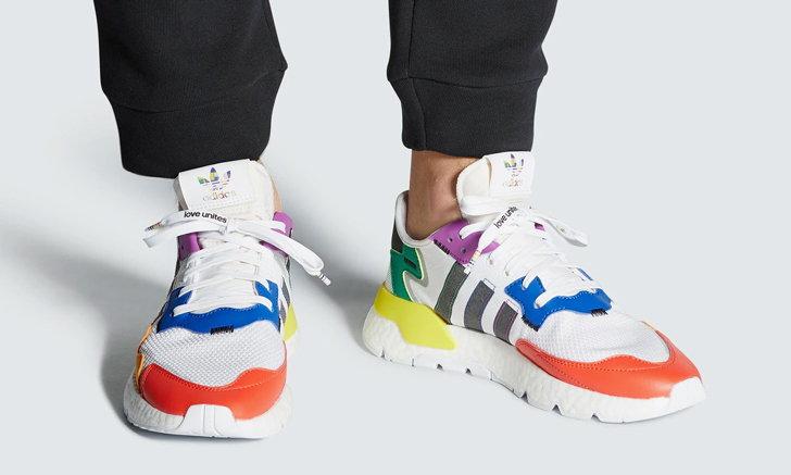 Sneaker เฉดสีสดๆ เน้นความสดใส