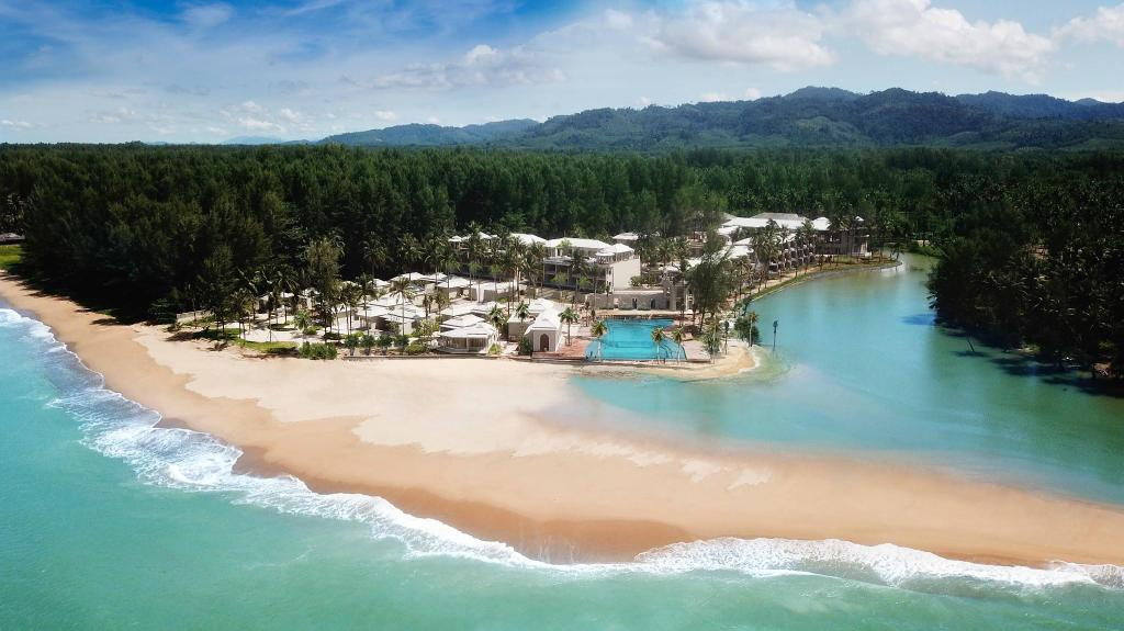 Devasom Khaolak Beach Resort & villa บูติคสุดหรู กับเสน่ห์ที่ลงตัว